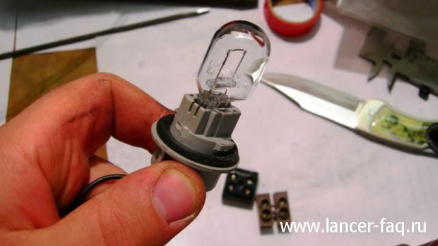 Противотуманный фонарь Lancer IX