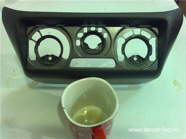 Установка 2DIN магнитолы Mitsubishi Lancer 9 (3)