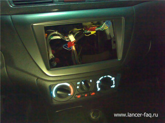 Установка 2DIN магнитолы Mitsubishi Lancer 9 (5)