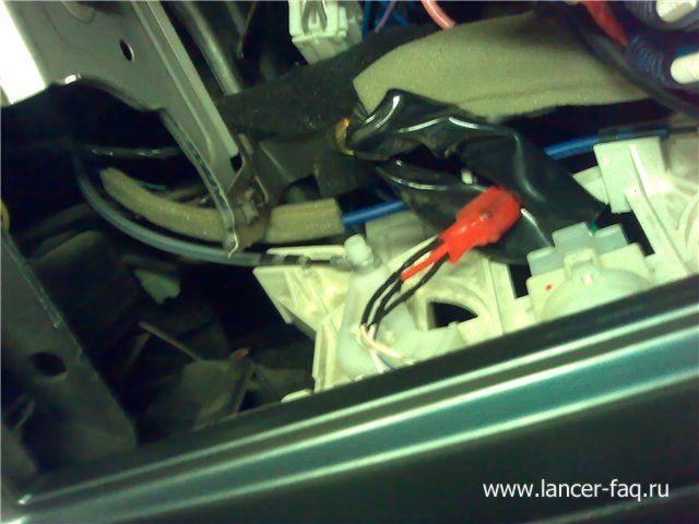 Установка 2DIN магнитолы Mitsubishi Lancer 9 (6)