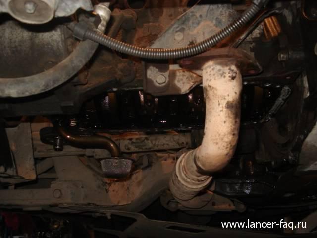 Замена колец и колпачков Lancer IX 1.6 (5)