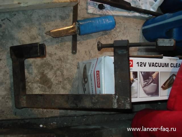 Замена колец и колпачков Lancer IX 1.6 (9)