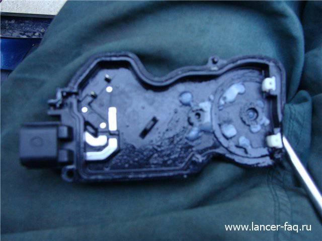 Ремонт замка двери Lancer IX (8)