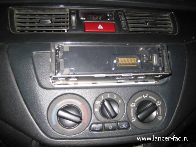 Лампа в кнопке аварийки (1)