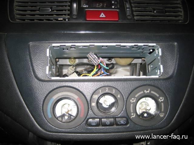 Лампа в кнопке аварийки (2)