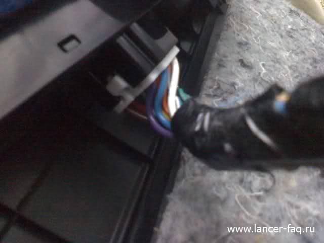 Снятие обшивки передней двери Mitsubishi Lancer X 10